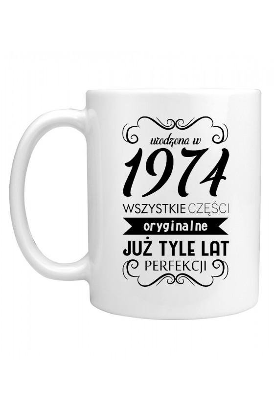 Kubek Urodzona w 1974